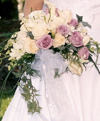 bridal bouquet with roses and ivy
