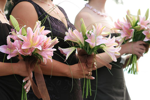 bridesmaids with lilies